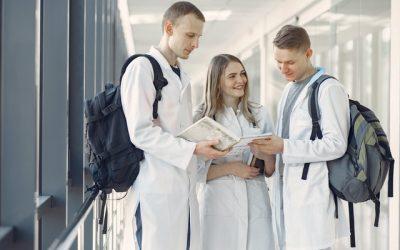MED'Advice, première Junior-Entreprise® dans le domaine de la Pharmacie et de la Santé en France